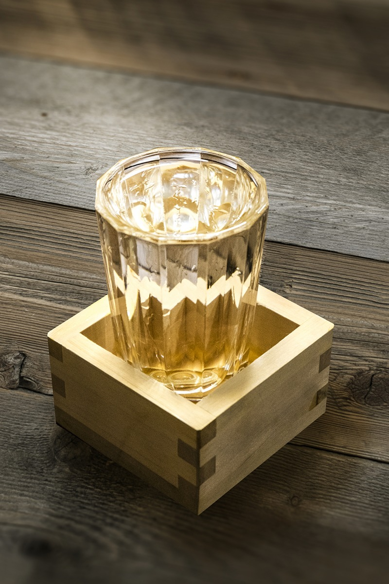 The Art of Japanese Sake / How its delicate taste and flavor are brewed